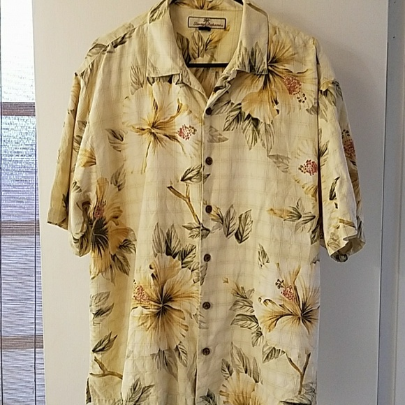 Tommy Bahama Mens Casual Short Sleeved Floral Shirt